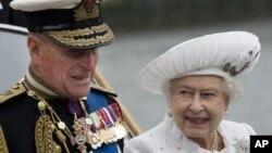 Princ Filip i britanska kraljica Elizabeta II