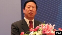 前中国人民银行行长、现任中国国际经济交流中心副理事长戴相龙资料照 (美国之音张楠拍摄)