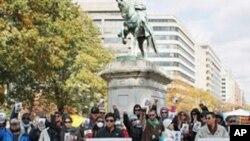 中国人权活动者和美国民众2011年11月11日在华盛顿为陈光诚举办生日集会