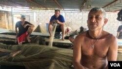 Luis Alberto Morán, capitán de una embarcación de tres pescadores que fueron robados en el lago Maracibo tiene 50 años y es padre de tres hijas.