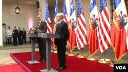 Los presidentes Barack Obama de Estados Unidos y Sebastián Piñera de Chile, durante la conferencia de prensa en La Moneda.