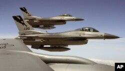 ເຮືອບິນລົບ F-16 ຂອງສະຫະລັດ