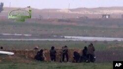 2013년 자라 공군기지의 반군들의 모습