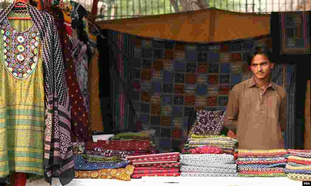 سندھی ملبوسات کی فروخت