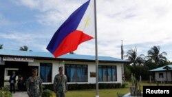 Lính Philippines trên đảo Thị Tứ ở Biển Đông (ảnh tư liệu, tháng 4/2017)