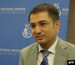 Zabihulla Soipov Toshkentdagi Jahon Iqtisodiyoti va Diplomatiya Universitetida dars beradi, fan nomzodi. Amerika va Yevropada ta'lim olgan.