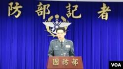 台湾国防部发言人罗绍和少将 (美国之音李逸华摄)