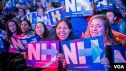 希拉里·克林顿的支持者。(美国之音记者方正拍摄)