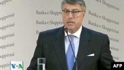 Guvernatori Fullani: Shqiptarët kursyen, vitin tjetër pritet të investojnë