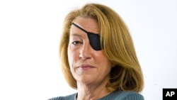 عگس آرشیوی از ماری کالوین خبرنگار آمریکایی که در سال ۲۰۱۲ در سوریه کشته شد