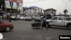 Vue sur une rue de Port Harcourt, 31 mars 2015.