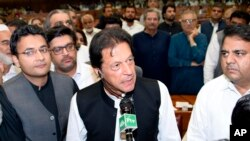 عمران خان، رهبر حزب تحریک انصاف پاکستان، پس از آنکه از سوی پارلمان کشورش به حیث صدراعظم انتخاب، شد، به صورت فشرده پالیسی حکومت آینده اش اعلام کرد