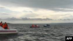 Спасатели на месте крушения теплохода «Булгария»