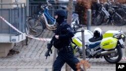 哥本哈根咖啡馆一研讨会遭枪击 1人丧生