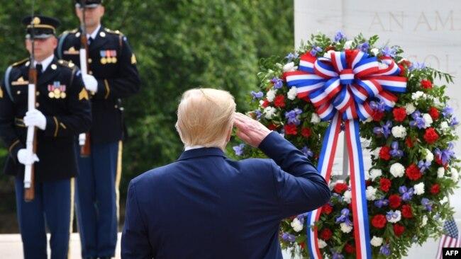 Presidenti Trump në Ditën e Të Rënëve