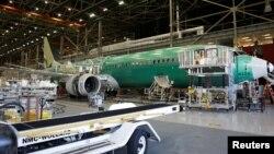 波音新的737 MAX-9在美国华盛顿州连顿市的厂房设施中装配制造(2017年2月13日照片)