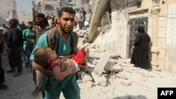 Halep çevresi sık sık hava saldırılarının hedefi oluyor