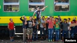 Người tị nạn Syria biểu tình trước ga Bicske, Hungary, hôm 4/9/2015.