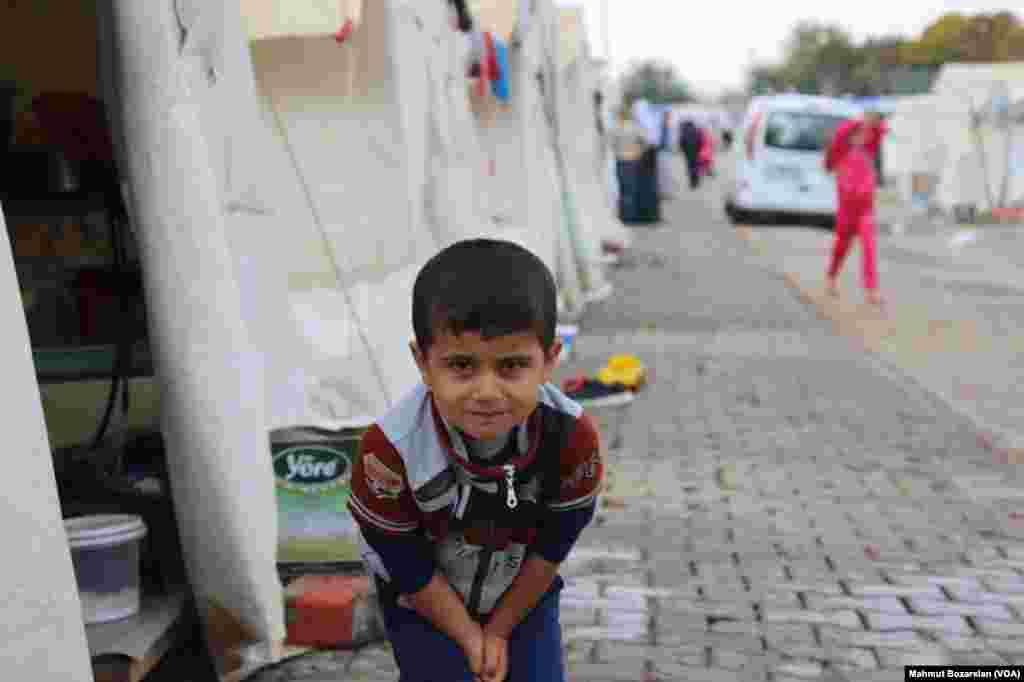 土耳其迪亚巴克尔省的难民营里的伊拉克雅兹迪难民
