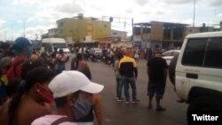 Imagen de Upata, estado Bolívar, durante disturbios el jueves 23 de abril de 2020. [Foto: @_Provea]
