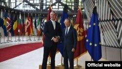 Crnogorski predsjednik Milo Đukanović i predsjednik Evropskog savjeta Donald Tusk (rtcg.me)