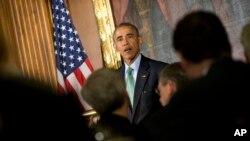 奧巴馬總統打上了綠色領帶參加國會的年度愛爾蘭之友午餐會。