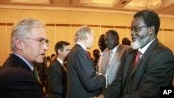 Članovi južno sudanskih delegacija na razgovorima u Etiopiji