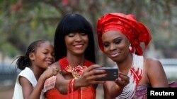 Mulheres angolanas continuam descriminadas apesar de avanços