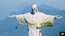 Este é mais um dos protestos da Greenpeace no Brazil. Em 2009 a mesma organização protagonizou uma acção na estátua do Cristo Rei na cidade do Rio de Janeiro