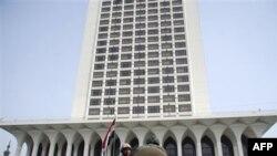 Солдаты взяли под охрану здание МИД Египта. Каир. 29 января 2011 года