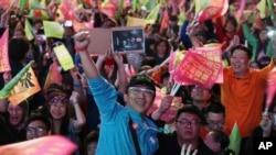 2020年1月11日,支持蔡英文的選民在台北歡呼勝利(美聯社資料照)