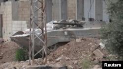 Tenk sirijskih snaga u blizini Homsa, 22. maj 2012.