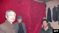 参加访民诉苦春晚策划制作的姜家文(左)、吴光周(中)、刘纯宝(右)