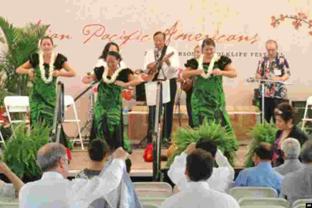 来自夏威夷的歌舞表演