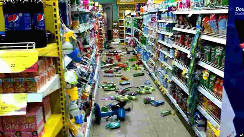 Goods at a grocery store that fell from shelves litter the floor after an earthquake in Chiang Rai, northern Thailand, May 5, 2014.