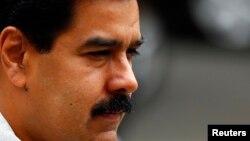 Según la encuesta del Venebarómetro, en los comicios del próximo 6 de diciembre el bloque opositor de la MUD ganaría con un 43,7%, mientras que el chavismo se ubica tercero en intención de voto.