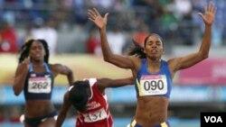 La colombiana María Oliveros (90) logró la medalla de oro en los 400 metros de mujeres.