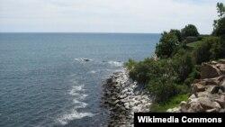 로드아일랜드주 뉴포트의 해안가.