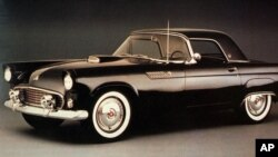 Культовый Ford Thunderbird 1955 года