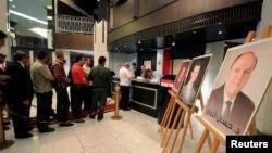 3일 시리아 다마스쿠스 다마로스호텔에 마련된 대통령 선거 투표소에서 유권자들이 투표를 하고 있다.