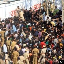 15 ہزار کا ٹکٹ بلیک مارکیٹ میں ایک لاکھ روپے میں
