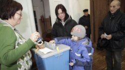 شهروندان استونی به پای صندوق های رای می روند