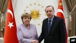 وقتی طیب اردوغان و انگلا مرکل در دوم فبروری در برلین باهم ملاقات داشتند
