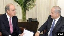 Utusan AS untuk Timur Tengah, George Mitchell (kiri) kembali bertemu PM Benyamin Netanyahu di Yerusalem.