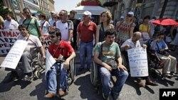 Greqi: Emigrantët e ndjejnë veten të rrezikuar