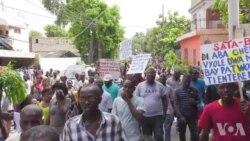 Ayiti: Ouvriye Sou-Tretans yo Anonse Plizyè Jou Grev Kote Yap Reklame 800 Goud Kòm Salè Jounalye