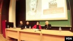 """Tribina """"Film kao protest"""" u sklopu tribina """"Nije filozofski ćutati"""", na Filozofskom fakultetu u Beogradu, 14. februara 2019."""