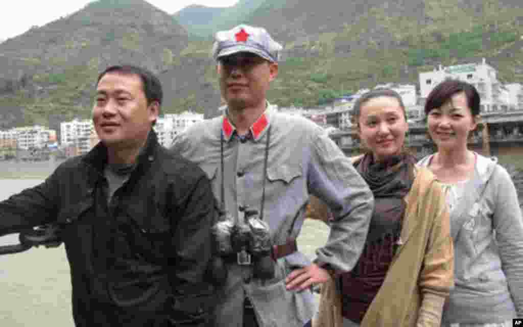 化装照像是游客很喜欢的一项活动(1)