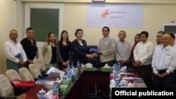 ကုလသမဂၢအထူးကိုယ္စားလွယ္ Ms. Yanghee Lee ျမန္မာစာနယ္ဇင္းေကာင္စီက တာ၀န္ရိွသူေတြနဲ႔ေတြ႔ဆံု (Myanmar Press Council)