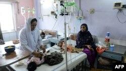 پنجاب کے بجٹ برائے مالی سال 22-2021 کے مطابق صحت کے شعبہ کے لیے مجموعی طور پر 370 ارب روپے کی رقوم رکھنے کی تجویز رکھی گئی ہےجس میں سے 80 ارب روپے صحت کارڈ کے لیے رکھے گئے ہیں۔ (فائل فوٹو)